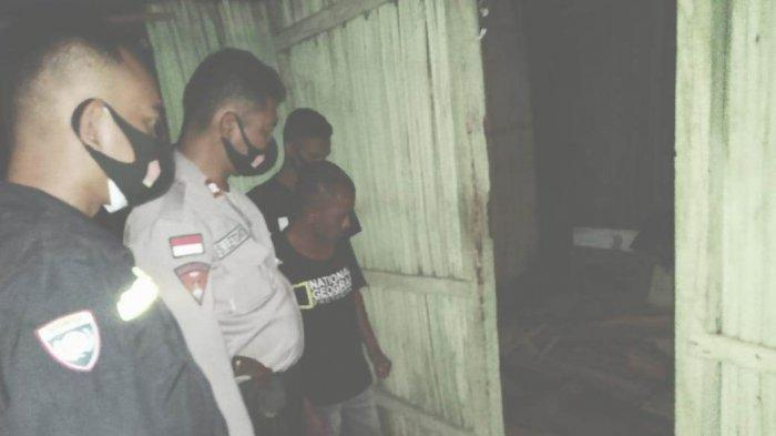 Aparat Polsek Kupang Tengah bersama tim medis saat olah TKP, Jumat (4/6).