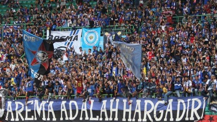 Aremania, pendukung setia Arema FC