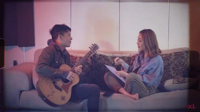 Ariel NOAH dan BCL saat merilis lagu Menghapus Jejakmu