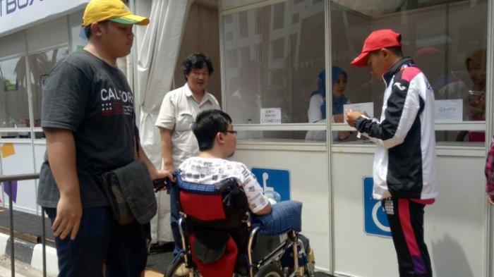 Penyandang Disabilitas Antusias Saksikan Pertandingan di GBK