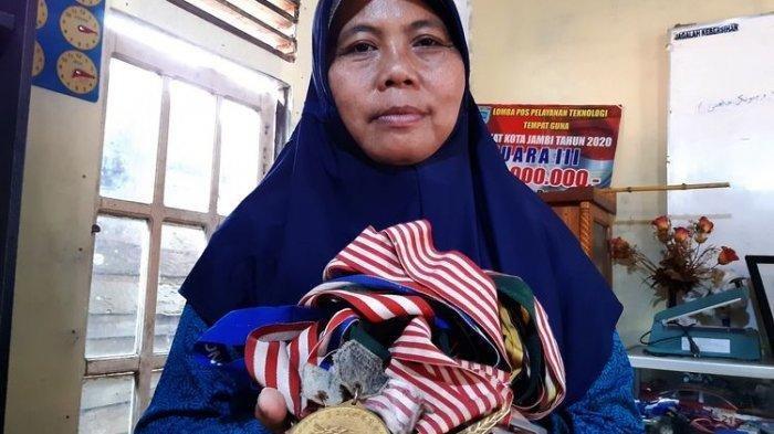 Info SPORT Terkini,  Anak SAKIT, Mantan Atlet Juara Dunia Dayung Ingin Jual Medali, Jadi Buruh Cuci
