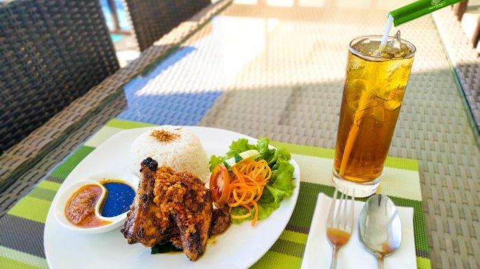 TRIBUN WIKI: Pala Restoran On the Rock Punya Ayam Bakar Amarasi