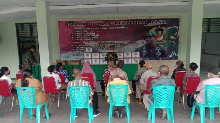 Pangdam IX/Udayana Beri Bantuan Bagi Purnawirawan dan Warakawuri di Kabupaten TTU