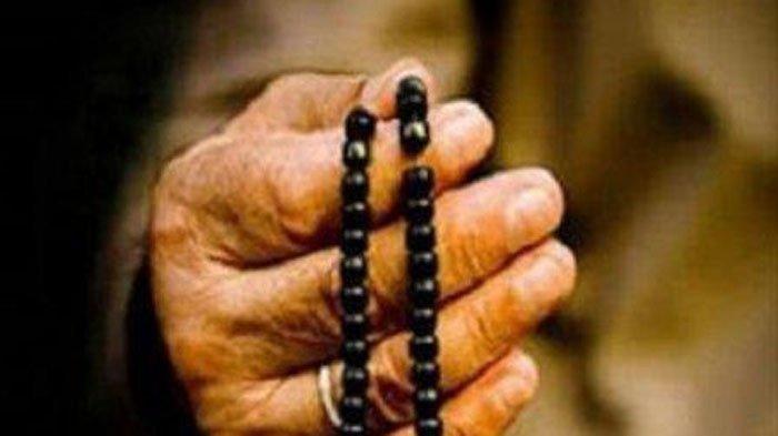 Tata Cara Sholat Maghrib Lengkap dengan Bacaan Niat dan Doa Dalam Bahasa Arab dan Terjemahannya