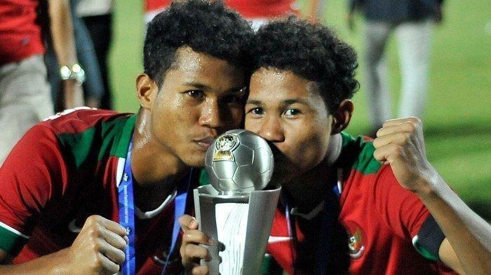 Pemain kembar Timnas Indonesia U19, Amirudin Bagas Kaffa Arrizqi dan Amirudin Bagus Kahfi Alfikri
