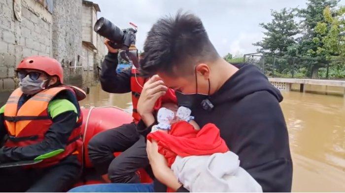 Baim Wong Evakuasi Bayi dan Ibunya Saat Banjir Melanda Jakarta, Ayah Kiano Berkali-kali Ucapkan Ini