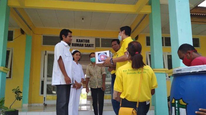 Pemuda Katolik Lembata Serahkan Bantuan Bagi Tenaga Medis RSUD Lewoleba