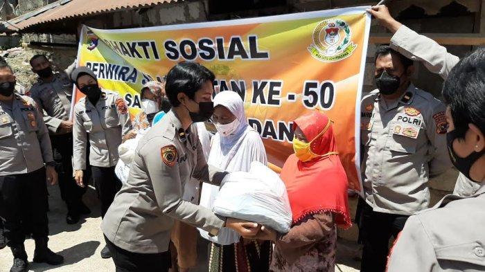 Bantu Warga Tidak Mampu, Ikatan Setukpa Polri Angkatan 50 Bagikan Sembako