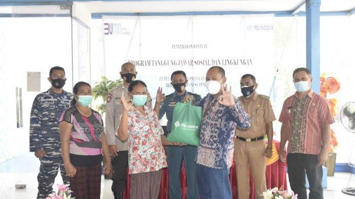 Pelindo Maumere Salurkan 800 Paket Sembako dan Bantu Sarana Ibadah