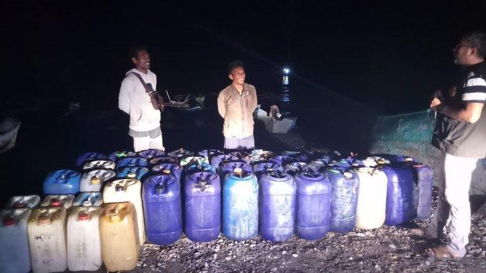 Breaking News: Petugas Bea Cukai Sita Jeriken yang Dipakai Selundup BBM ke Timor Leste