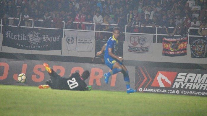 Beni Okto saat Persib vs Persis.