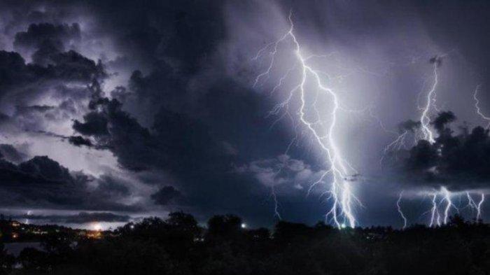 Peringatan Dini BMKG Rabu 21 Juli 2021, Sejumlah Wilayah di Indonesia Harus Mewaspadai Cuaca Ekstrem