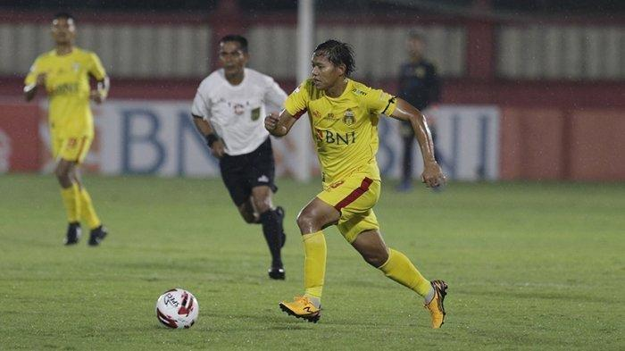 Adam Alis gelandang tim Bhayangkara FC saat bermain di Liga 1