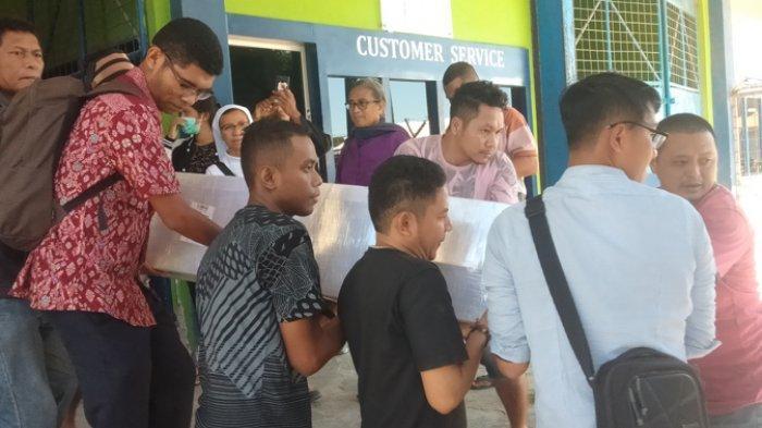 BREAKING NEWS: Jenazah TKI Asal Ende Tiba di Bandara El Tari Kupang