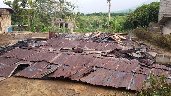 BREAKING NEWS: Rumah Warga Raja Nagekeo Ludes Dilalap Api, tak Ada yang Diselamatkan