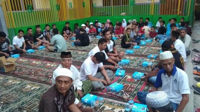 Rajut Tali Silaturahmi Jemaah Masjid Nurul Huda Buka Puasa Bersama
