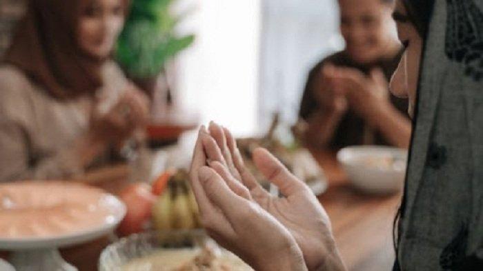 Jam Buka Puasa Hari Ini, Lengkap Doa Berbuka Puasa, Bahasa Arab dan Artinya, Serta Niat Tarawih