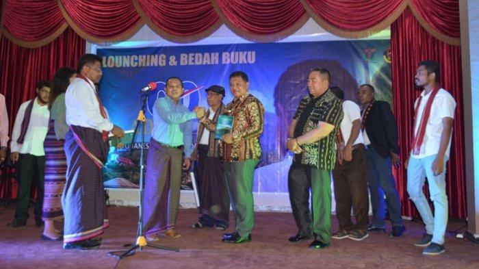 Buku Go Adonara Diluncurkan, Jefri Sebut Terobosan baru dalam Bangun Adonara