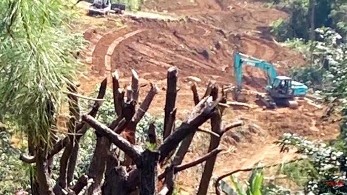 Rumah Rocky Gerung di Bogor Siap Digusur, Posisi Buldoser Tinggal 20 Meter