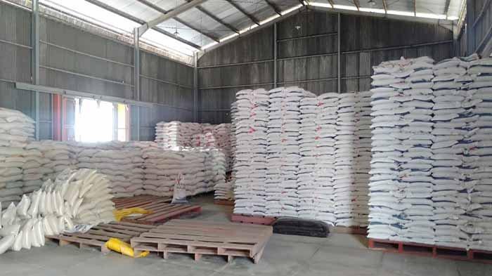 Bulog Bajawa Salurkan Sebanyak 113,470 Ton Beras kepada Warga Terdampak Covid-19