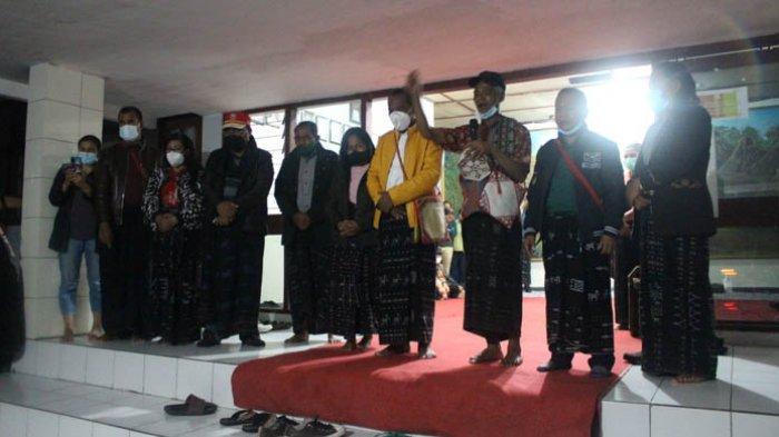 Bupati dan Wakil Bupati Ngada Terpilih Gelar Ritual Adat Ti'i Ka Ebu Nusi
