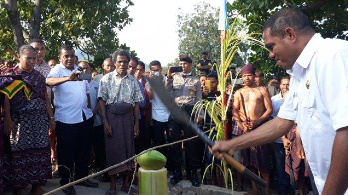 Bupati Anton Sampaikan Ini Saat Berkunjung ke Desa Lewoawang