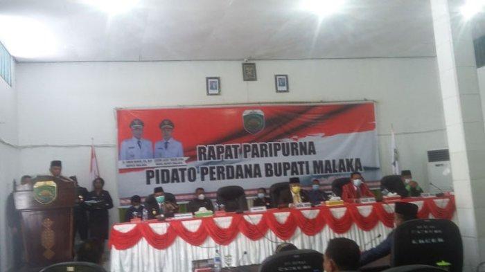 Bupati Malaka, Dr. Simon Nahak, S.H, MH saat menyampaikan pidato perdana di Rapat Paripurna DPRD Malaka, Senin (3/5/2021).