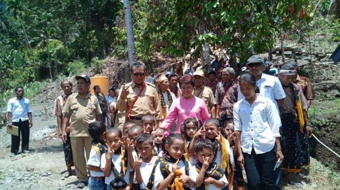 Ini Pesan Bupati Don Saat Kunker di Desa Selalejo Selatan Mauponggo