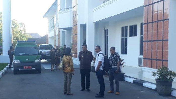 BREAKING NEWS: Bupati Sikka Diperiksa Kejaksaan Agung RI