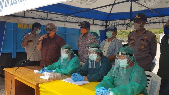 Bupati Niga Dapawole Jemput 23 Penumpang KM Sabuk Nusantara