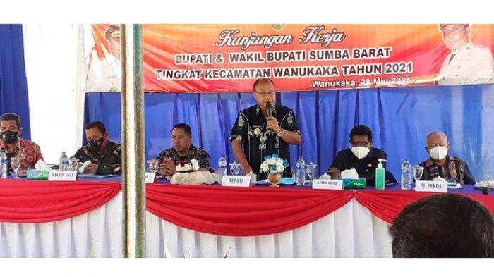 Bupati Sumba Barat Peringatkan Kades, Kantor Desa Jangan Hanya Lambang Saja
