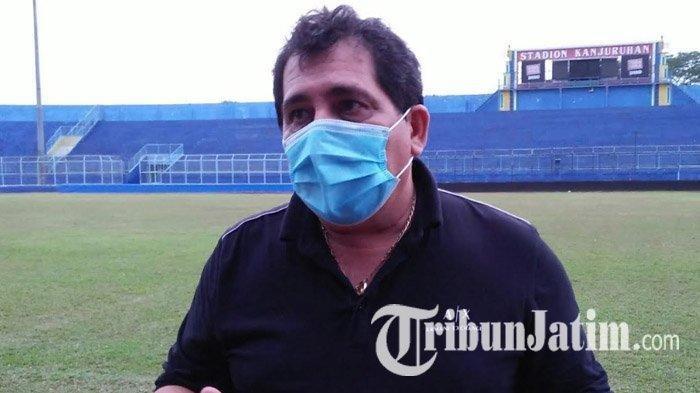 Pelatih Arema FC Tak Halangi Pemainnya Hijrah ke Klub Luar Negeri, Carlos: Tapi Ini Syaratnya