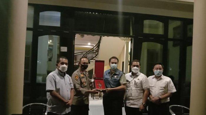 Wakil DPR RI Buka Puasa di Kediaman Ali Oemar Fadaq Sumba Timur