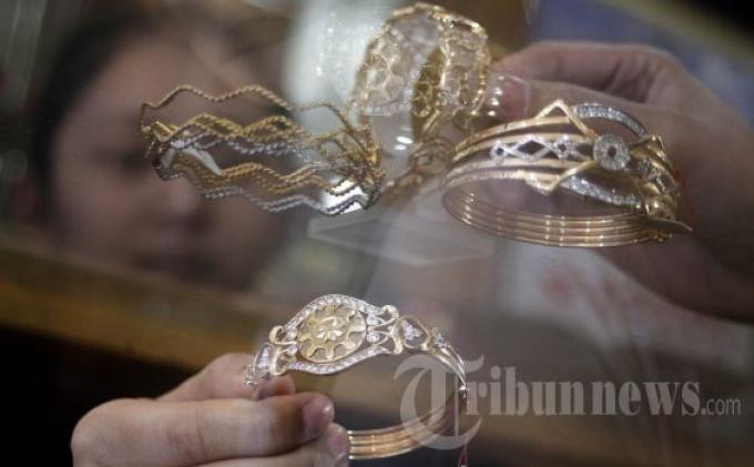 Anda Suka Pakai Perhiasan? Simak 6 Anjuran Berikut Agar Tidak Terjadi Hal Buruk Saat Tidur