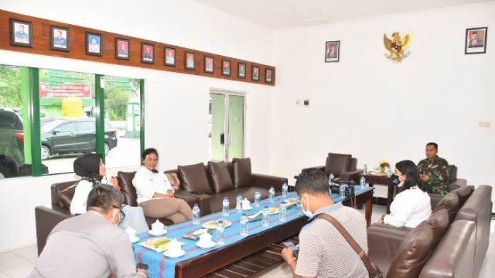 Dandim 1604/Kupang Lakukan Sosialisasi 3M & 3T Bersama Media di Kota Kupang