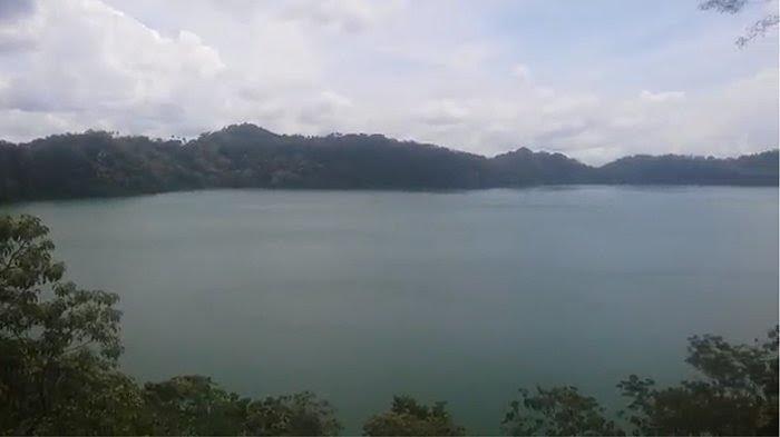 TRIBUN WIKI : Danau Sanonggoang Memikat Rasa, Danau Vulkanik Terbesar di NTT