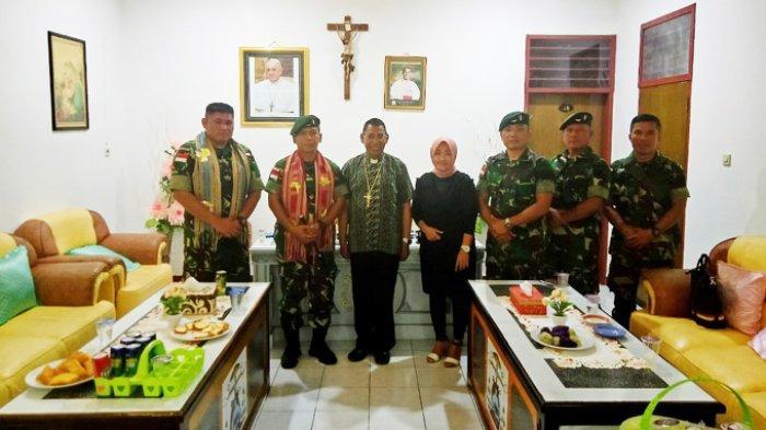 Dansatgas Pamtas RI-RDTL Yonif Raider 142/KJ Minta Restu Uskup Atambua, Ini yang Dibahas