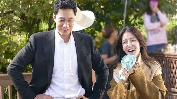 Intip Keseruan So Ji Sub & Jung In Sun di Belakang Layar Drama Korea 'Terius Behind Me'