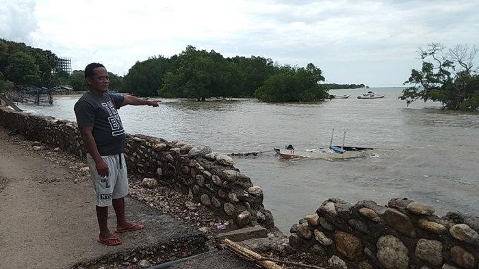Dihantam Gelombang Pasang, 1 Perahu Motor Nelayan Oesapa Rusak Berat