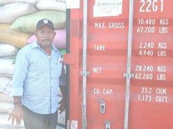 Dinas Pertanian Kabupaten Lembata memfasilitasi petani dan pengusaha mengirim pipil jagung ke Surabaya. Selain mempermudah pengusaha, upaya ini juga membantu petani jagung di tengah situasi pandemi Covid-19.