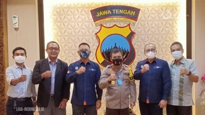 Direktur Utama PT LIB, Akhmad Hadian Lukita bersama para direksi PT LIB melakukan audiensi dengan Kapolda Jateng, Senin (31/8/2020).