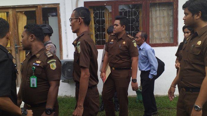 BREAKING NEWS: Jaksa Tahan Direktur Utama PDAM Ende Bersama Stafnya