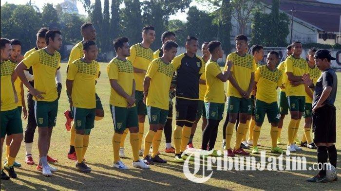 Persebaya Surabaya Waspadai Bomber Slamet Nurcahyo Jelang Hadapi Madura United