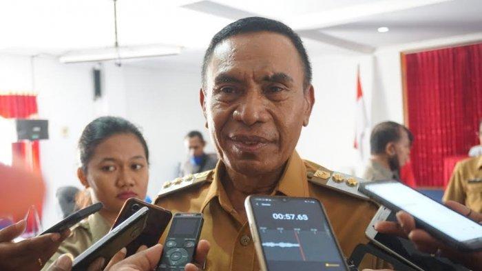 Bupati Djafar Achmad Menitikkan Air Mata Kenang Setahun Pelantikannya Bersama Almarhum Marsel Petu