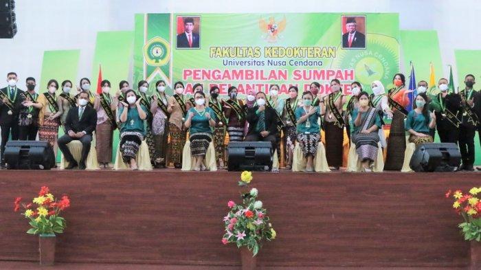 Dekan Fakultas Kedokteran Undana Kupang Lantik 26 Dokter