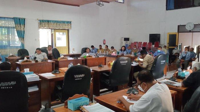 DPRD Flores Timur saat menggelar rapat dengar pendapat bersama pemerintah daerah