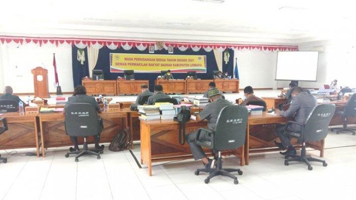 Di Hadapan DPRD Lembata, Wabup Langoday Sampaikan Akan Beri Izin Operasi Kapal Mini Tangker