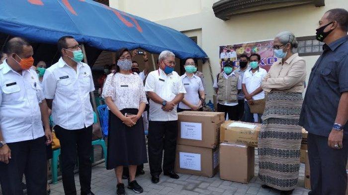 Fasilitas Kesehatan di Kota Kupang Terima APD dari DPRD NTT