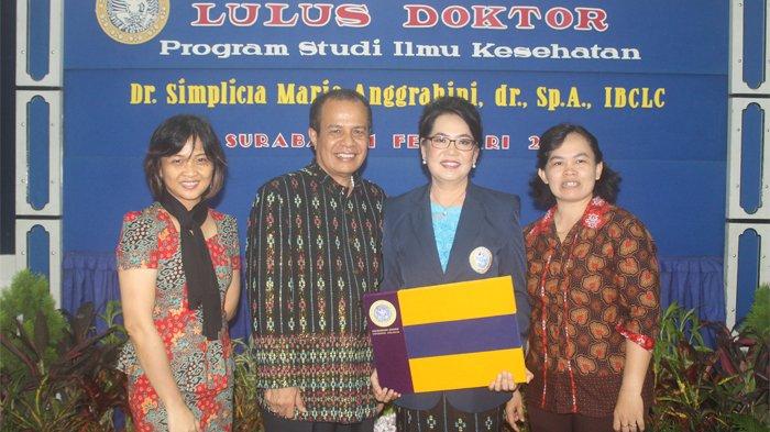 Dokter Spesialis Anak RSU Johannes Kupang Raih Doktor dengan Predikat Cum Laude di Unair