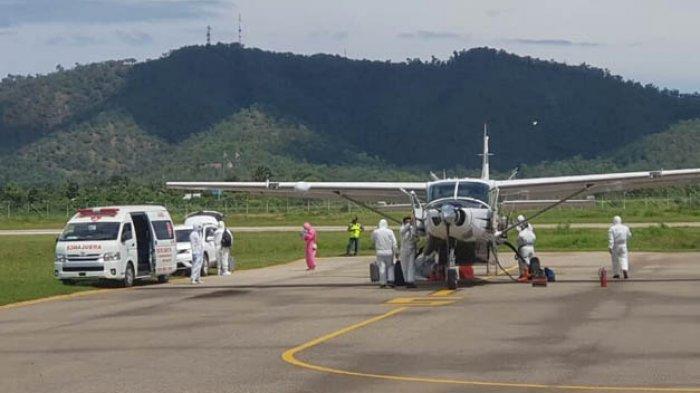 Dua Pasien Covid-19 di Belu Dievakuasi ke Surabaya Menggunakan Pesawat Charter